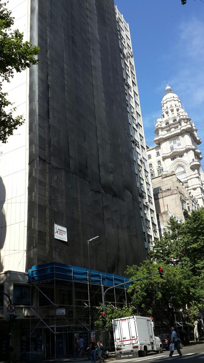 Estructura para restauración de fachada en Av de Mayo 1302